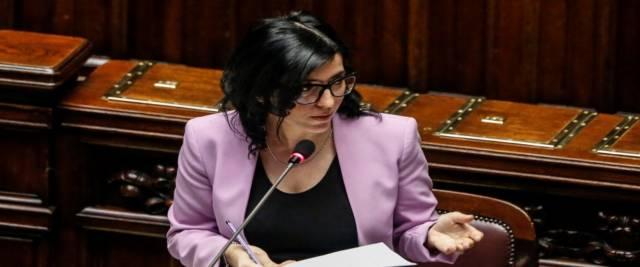 News dalla politica/ Confintesa contro Dadone. La puntata di Report. Gli immigrati da regolarizzare. Le parole di Timmermans contro Salvini e Meloni